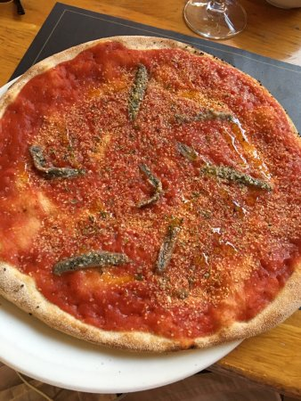 Ir Rokna Restaurant and Pizzeria: Meagre - fish of the day Neopoletana pizza