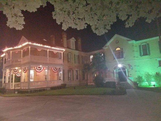 Olivia Mansion: photo1.jpg