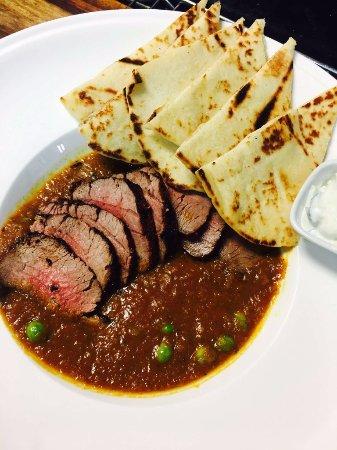 Port Hope, Καναδάς: Beef tenderloin curry