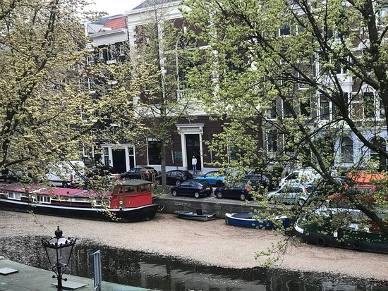 Emperor's Canal (Keizersgracht): Amsterdam Life