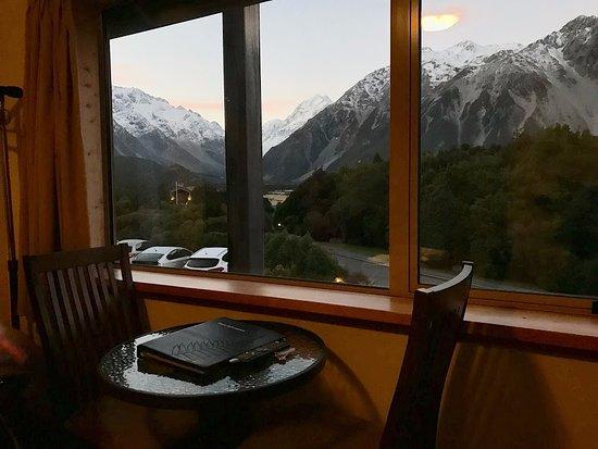 Aoraki Mount Cook Alpine Lodge : 部屋からマウントクックが見えました