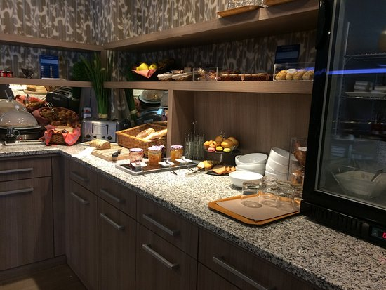 Mercure Perpignan Centre: Le petit dejeuner (buffet)