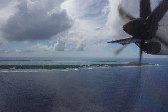 Tuamotu Archipelago, French Polynesia: Arrivée à Raivava, pensez à regarder le lagon !