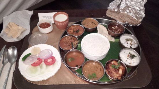 Super south indian non veg thali picture of vivanta by taj vivanta by taj begumpet super south indian non veg thali forumfinder Image collections