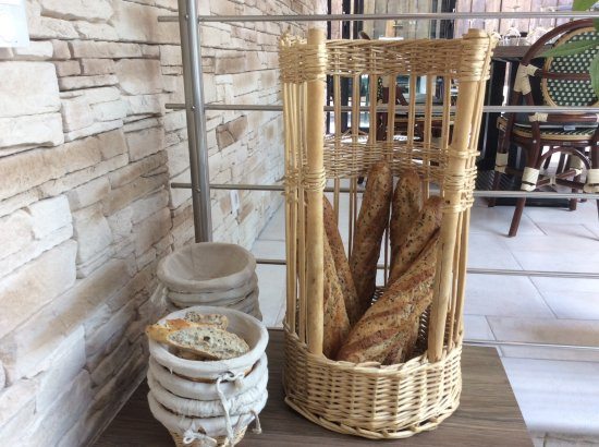 Gisors, France: Du frais du boulanger!