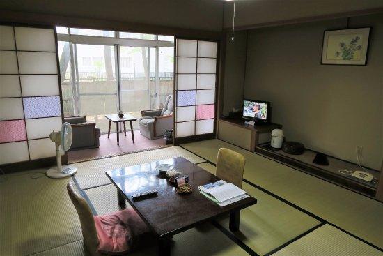 Omachi, Japan: 清潔感のある客室