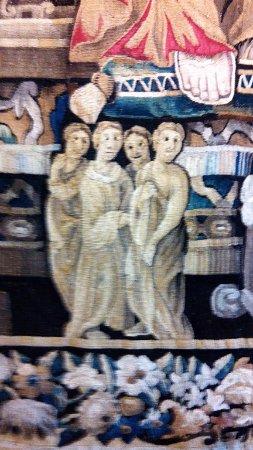 Gramont, Francia: Détail de l'une des deux tapisserie renaissance du château