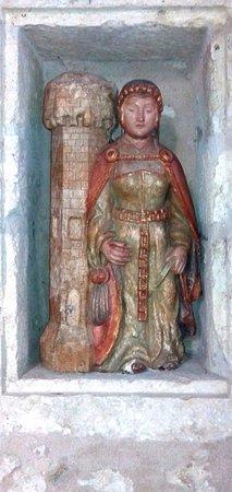 Gramont, France: Curieuse statuette de l'église