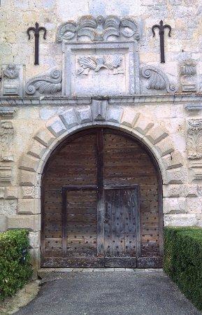 Gramont, France: Portail d'entrée du château médiéval