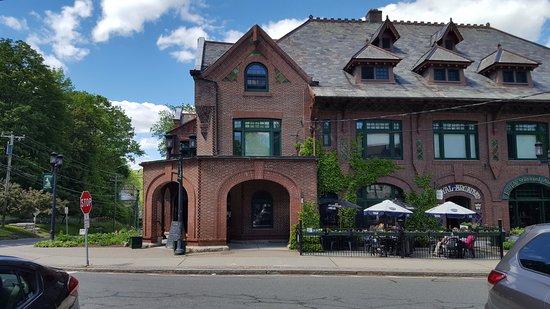 Norfolk, CT: Restaurant Frontage