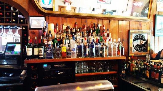 Norfolk, CT: Full Bar