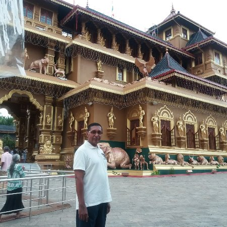Polgahawela, Sri Lanka: I visited there before the Wesak Poya day 2017