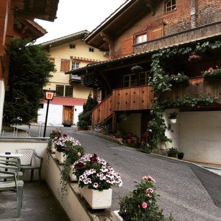 Iseltwald, Schweiz: Dorfpintli