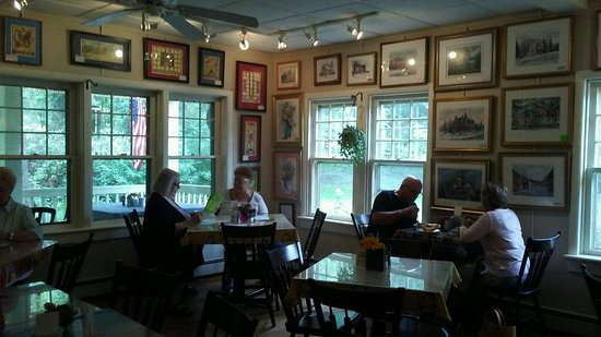 Mount Gretna, เพนซิลเวเนีย: Gorgeous Art Gallary Main Diningroom!! Love, Love, Love!!!