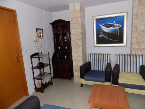 Elounda Water Park Residence: section of lovely quiet room perfect for chilling