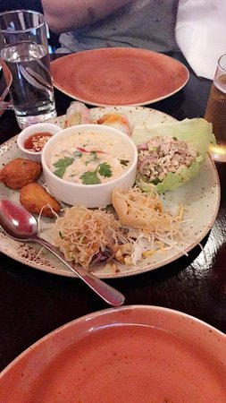 Kin Khao Thai Restaurant: received_10159102547200717_large.jpg