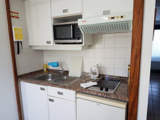 Hotel Cais da Oliveira: Küchenzeile