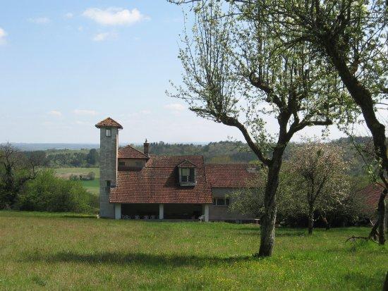 Vezelay, فرنسا: Vue arrière de la maison