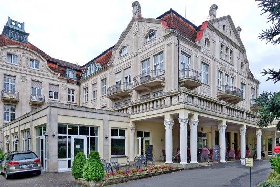 Bad Salzschlirf, Germany: seitlicher Blick aufs Hotel