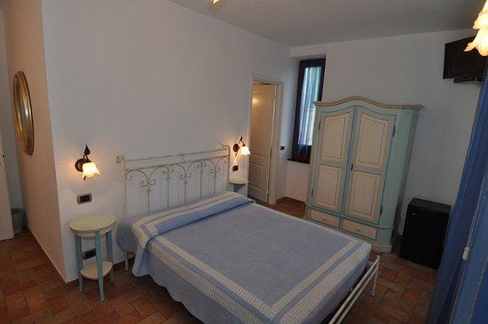 Sandra Villa Rooms