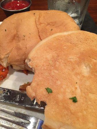 Leawood, KS: tasteless bun, not toasted