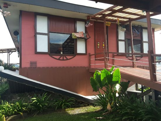 Tamparuli, Maleisië: Rumah Terbalik