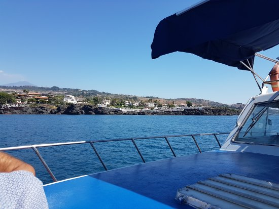 Acitrezza, Italie : Barca Ulisse