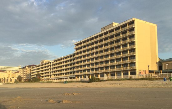 Westgate Myrtle Beach Oceanfront Resort: Does have a penaitentiary look about it?
