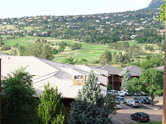 Cheyenne Mountain Resort: View on the Golf Course -