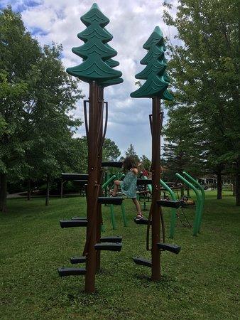 Parc Marie-Victorin: Parc pour enfants