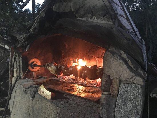 Villagrande Strisaili, Italia: Cochon de lait a la braise