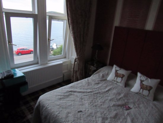 Alltavona Guest House: Room 5: comfortable with stunning views