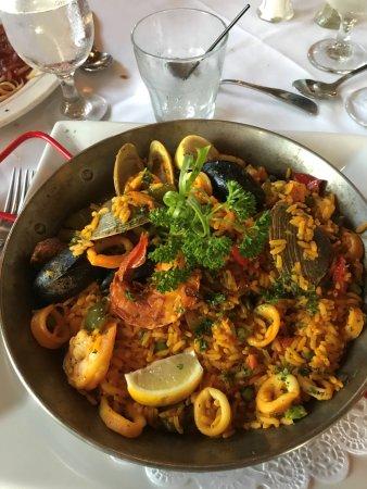 Barcelona Restaurant: Paella