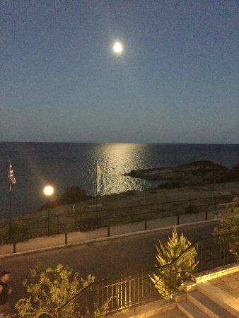 Luna Piena Sul Mare Vista Dal Terrazzo Bar Picture Of Porto Skala