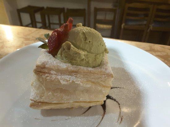 Trattoria di Cagnano: gelato al pistacchio