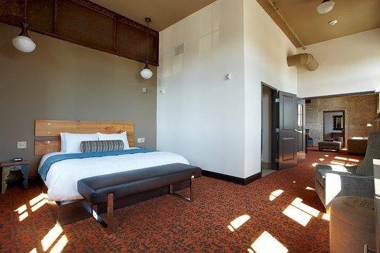 The Brewhouse Inn & Suites Resmi