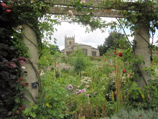 Alcester, UK: St Peters church from garden