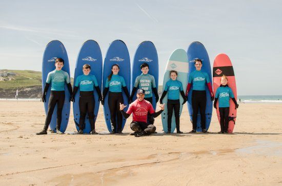 ‪Fistral Beach Surf School‬