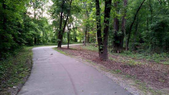 Rocky Mount, Carolina del Norte: Trail along the Tar River starting at Sunset Park