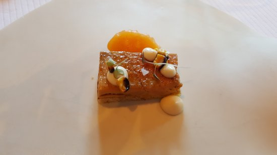 Foie gras de canard, pain perdu, melon au miel, maïs barbecue, crème de lait au beurre torréfié