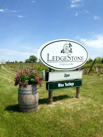 Ledgestone Vineyards Greenleaf 2018 All You Need To