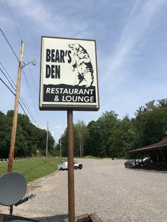 The Bears Den: outside sign