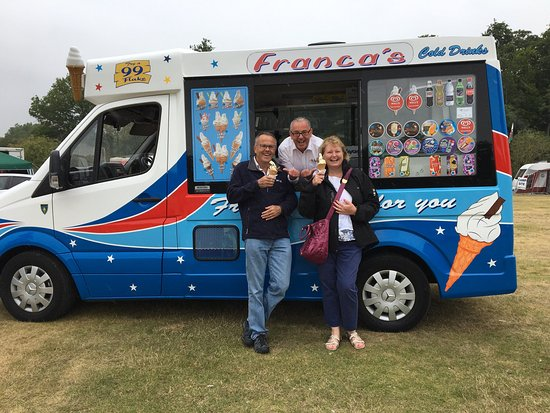 Is Franca's the best ice cream vendor in the world ?! We think so ! Very friendly people and sup