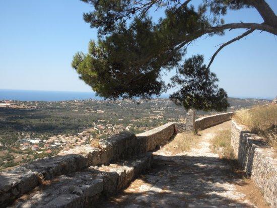 Peratata, Grækenland: Start of the walk around the castle ruins