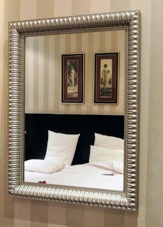 Hotel Etoile Trocadero: P7140005_large.jpg