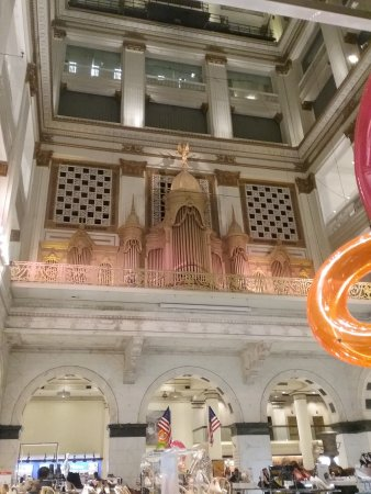 The largest pipe organ in the World at Macy's atrium