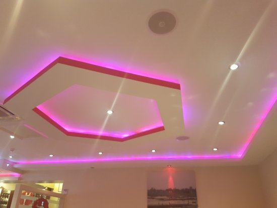 Blackwater, UK: Pretty colour changing ceiling