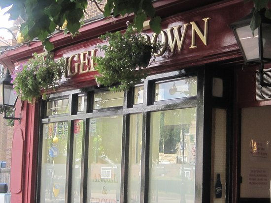 ‪The Angel and Crown pub‬