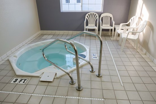 Platteville, WI: Hot Tub for Guest use
