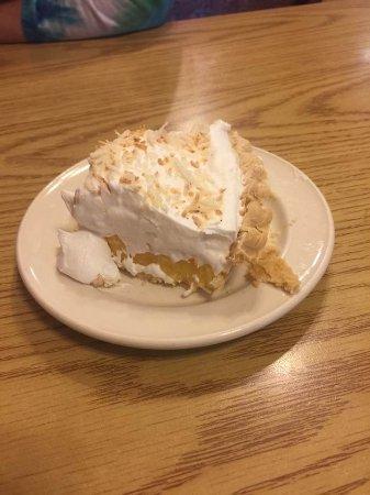 Benson, MN: coconut cream pie